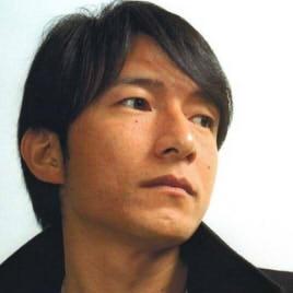 ミスチル桜井和寿がハゲてきてる?髪の薄毛進行を年代別画像でチェック